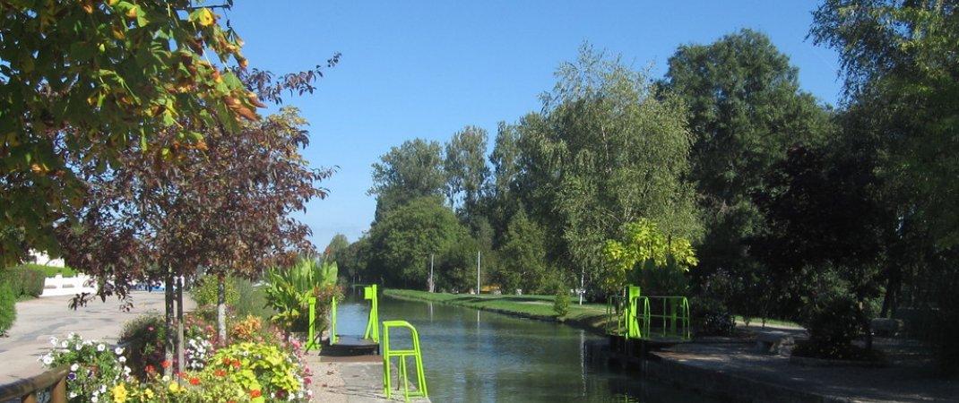 cercy-la-tour-54232-le-canal-du-nivernais-a-cercy-60ec0f0462d71040593852.jpg